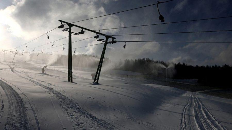 estacion esqui vacia