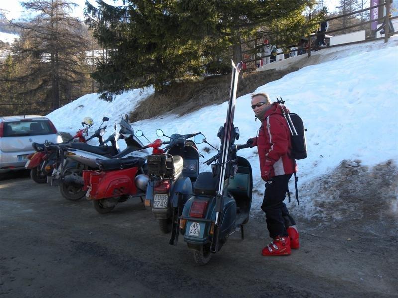A esquiar en Vespa!!