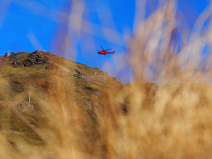 helicoptero trabajos remonte en aramon cerler castanesa