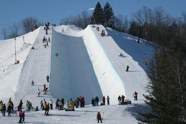 Otsego Club pasa de Club privado de esquí a estación pública