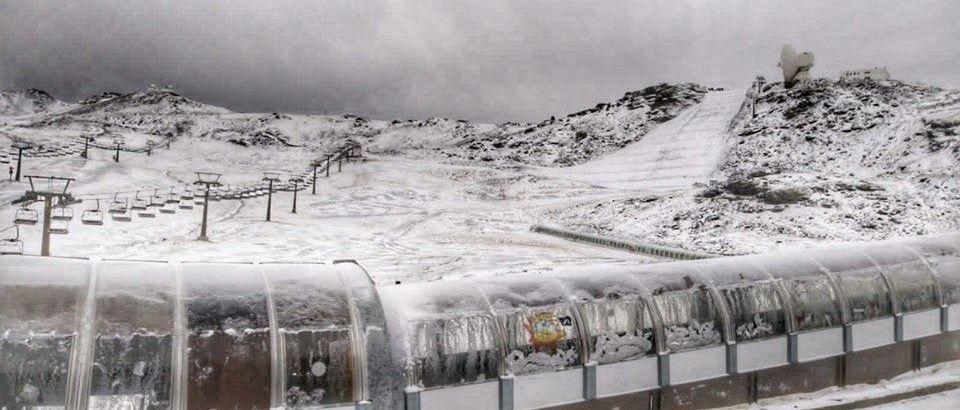 Sierra Nevada se prepara para abrir la temporada de esquí dentro de un mes