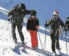 Se les caen unos esquís y acaban siendo rescatados