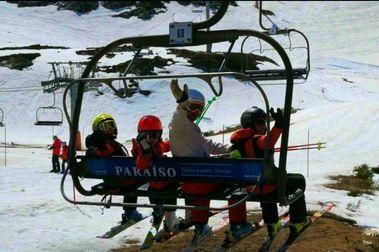 Las estaciones asturianas reciben casi 100.000 esquiadores y facturan 1,3 millones