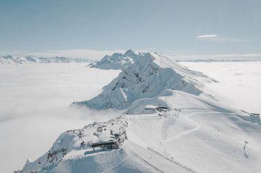 Rosa Khutor apenas nota la pandemia y roza el récord de esquiadores