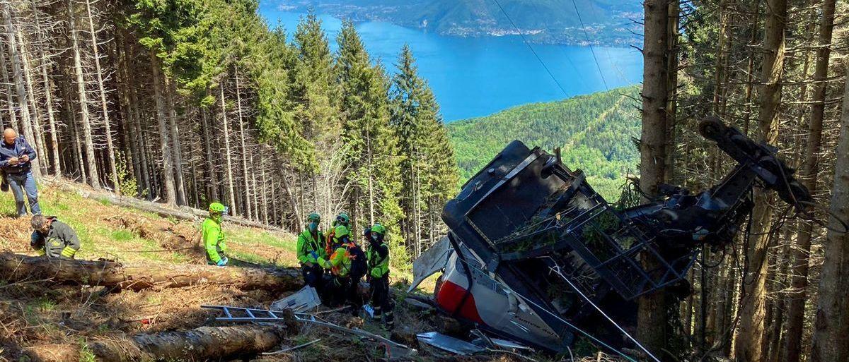 Catorce muertos tras la caída del teleférico de la estación de esquí de Mottarone (Italia)