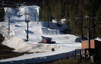 Como está fabricando Boreal Ski nieve en pleno verano