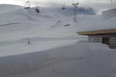 Paquetón en Volcán Osorno: hasta 3,5 mts de nieve.