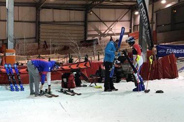 La estaciones de esquí indoor acogen entrenamientos de equipos nacionales