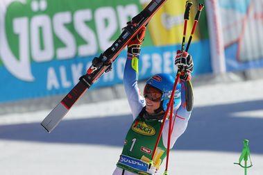 Mikaela Shiffrin se lleva la victoria en la Copa del Mundo de esquí Soelden 2021