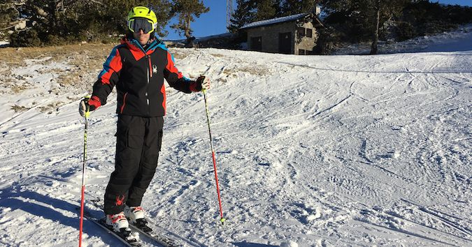 Rf. Técnicas: Hacer curvas cortas con esquís de radio largo [Vídeo]