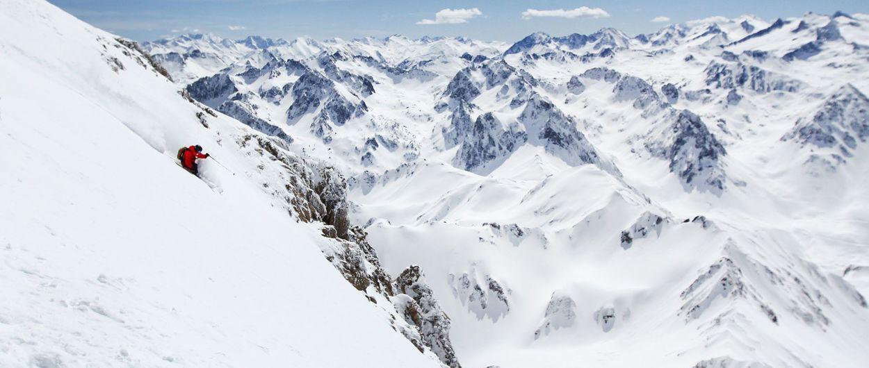 Dos forfaits multiestaciones de esquí en el Pirineo francés
