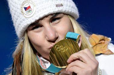 Ester Ledecka hace historia al ganar el oro también en snowboard