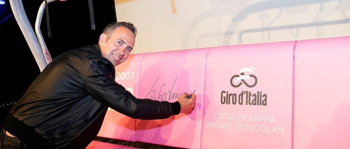 Zoncolan tendrá el primer telesilla rosa del mundo y en honor el Giro de Italia