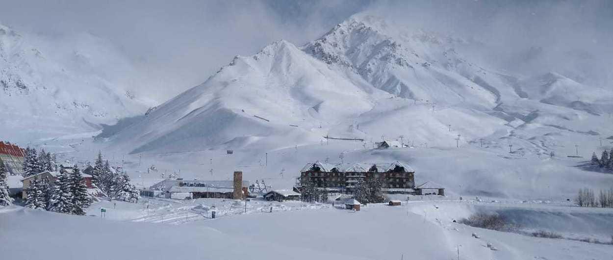 ¡Las Leñas cubierta por nevadas memorables!