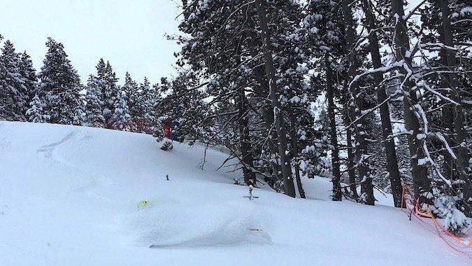 ¿Comprar o no comprar unos esquís de fuera pista?
