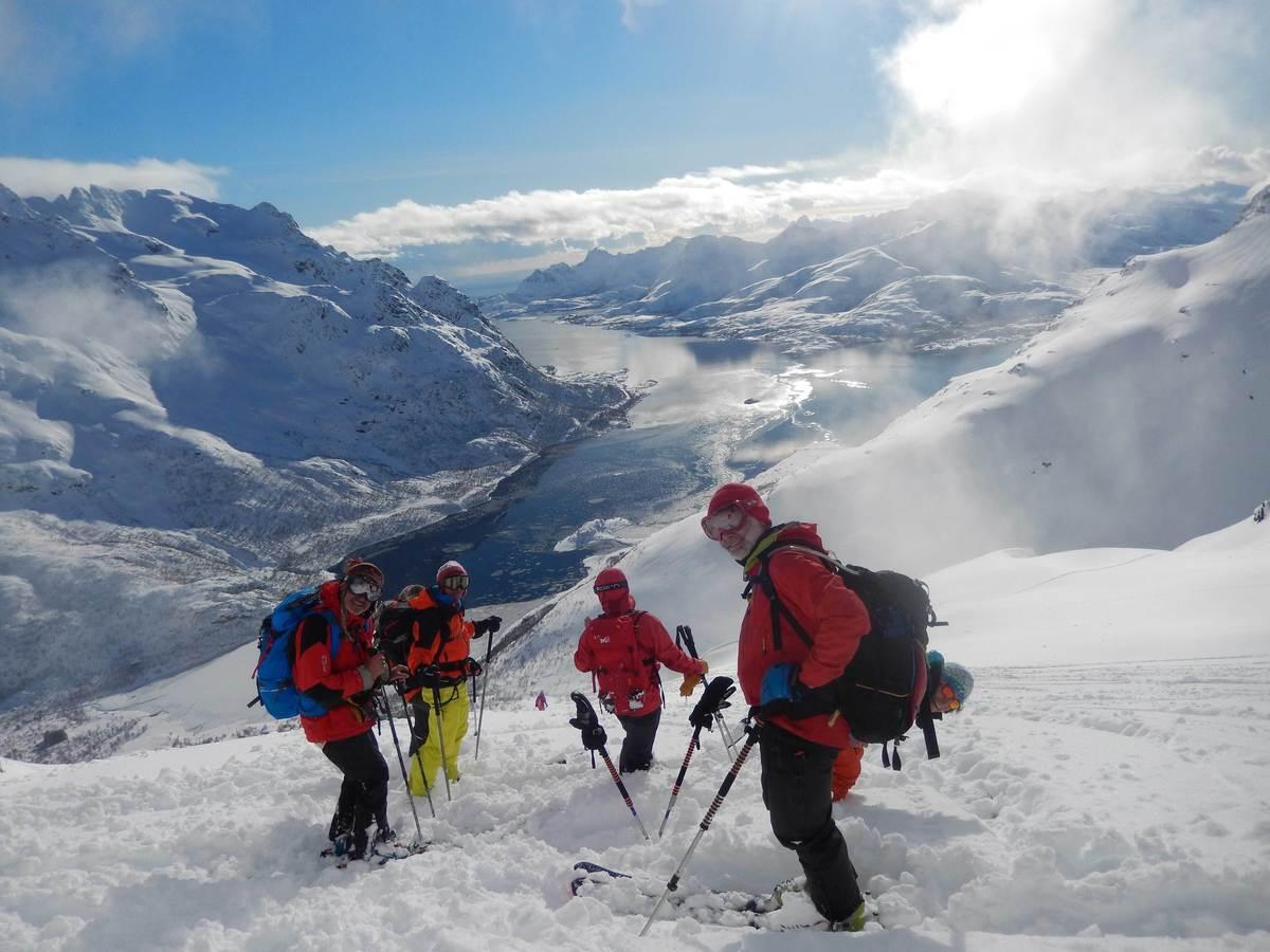 ¡Esquiar en las islas Lofoten de Noruega, un sueño a tu alcance!