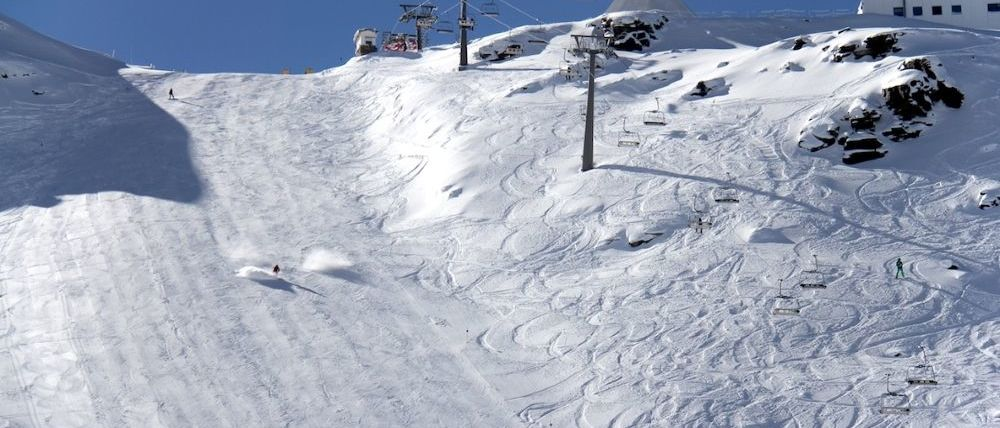 Sierra Nevada abre la temporada con más pistas de esquí de las previstas