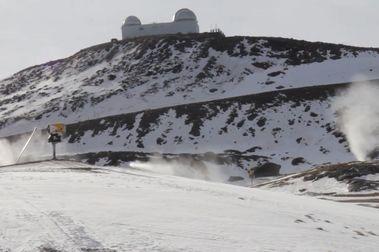 Sierra Nevada retoma sus trabajos de producción de nieve