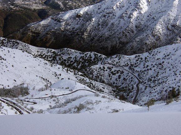 Desde Curva 33 aprox, hacia abajo, Camino a Farellones