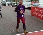 Corre el maratón de Londres con mono y... botas de esquí!