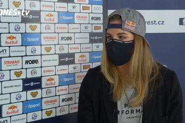 Ester Ledecka logra entrenar esquí en una pista de apenas 400 metros