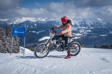 Marcel Hirscher pasa del esquí al mundo de las motos como embajador de Husqvarna