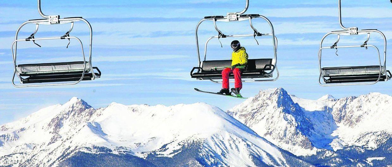 """A-Basin vuelve a abrir para el esquí aunque con aforo limitado y sin """"Tailgate"""""""
