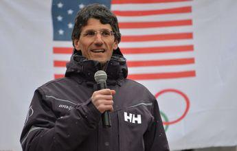 Mike Kaplan culpa a Trump del descenso de esquiadores en Aspen