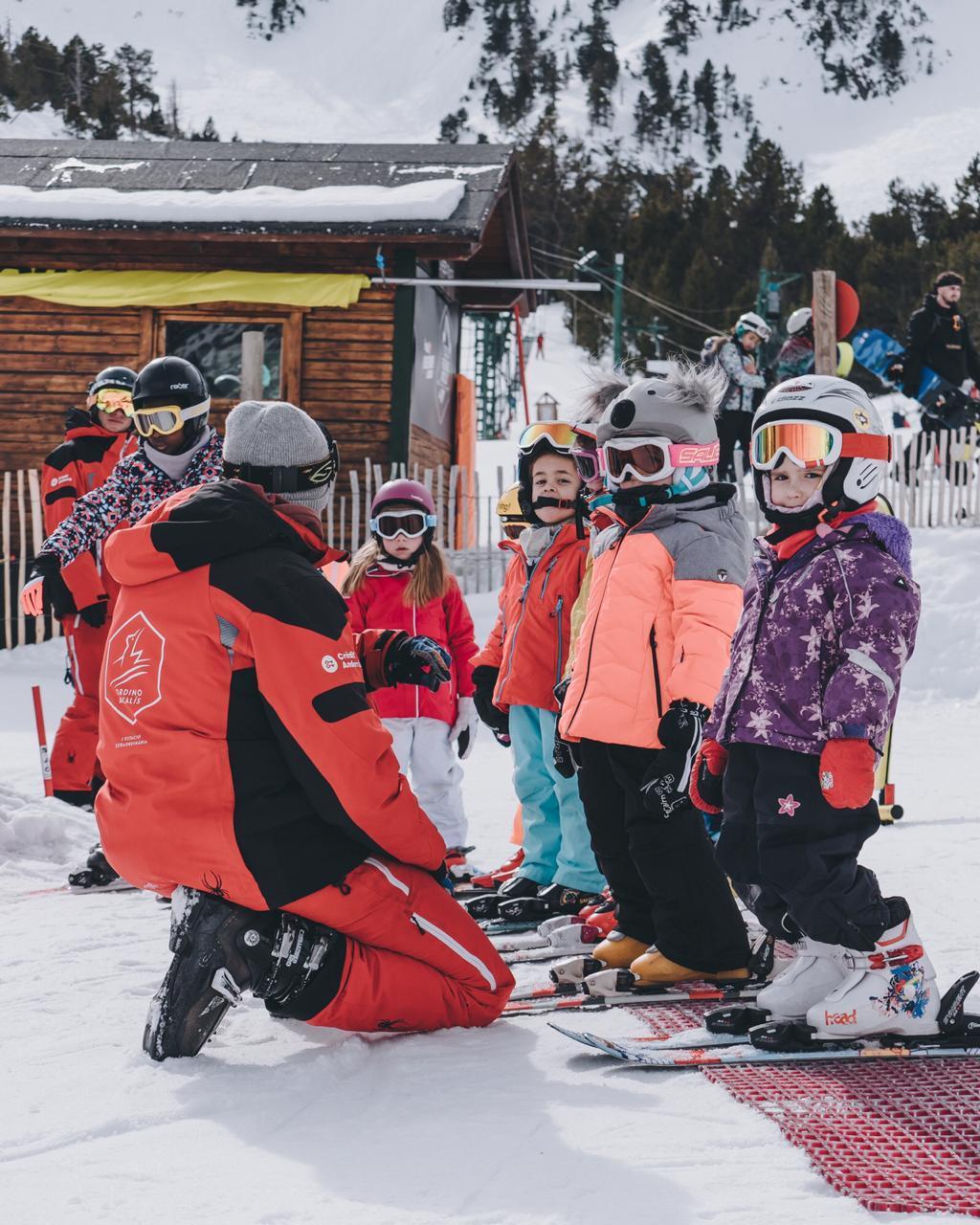25e965362a4 Andorra. El esquí, deporte nacional.