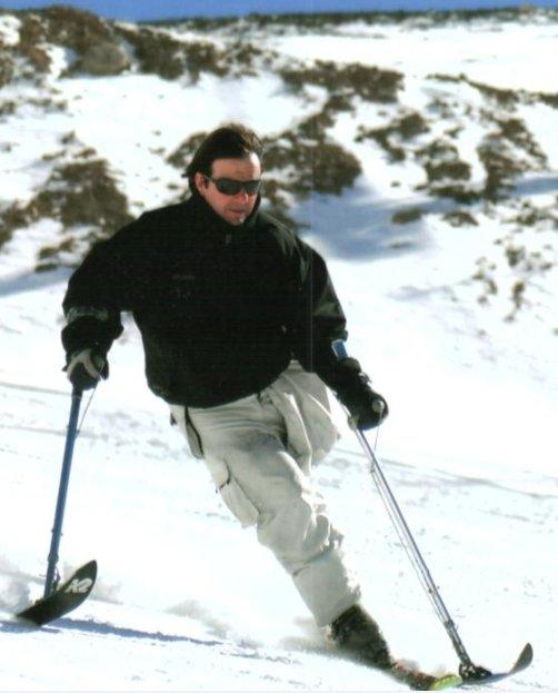Fotografía de Mario esquiando