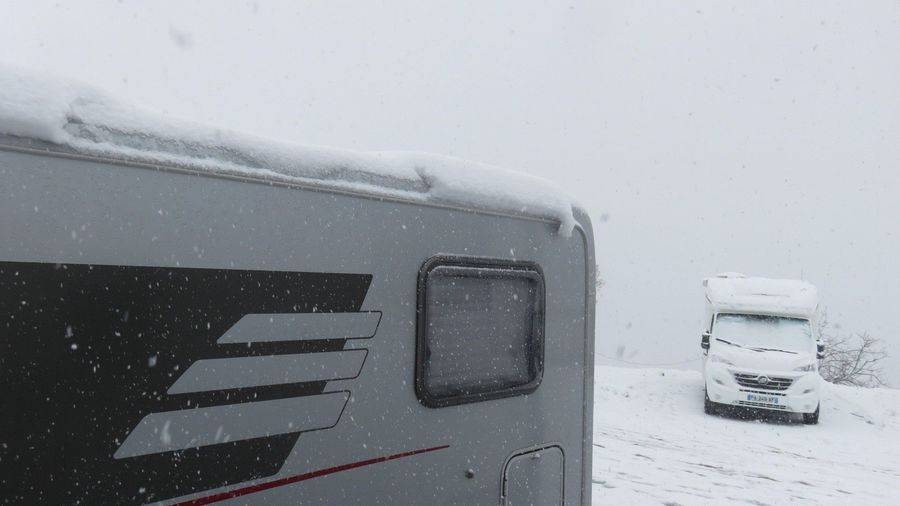 Esquí y autocaravana, autocaravana