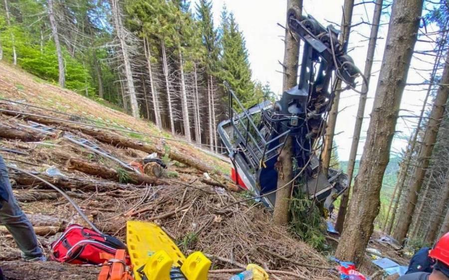cabina del teleferico accidente italia en el bosque