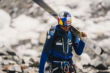 Andzrej Bargiel se convierte en la primera persona que esquía el K2