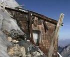 Aparece una cabaña de la primera Guerra Mundial bajo un glaciar