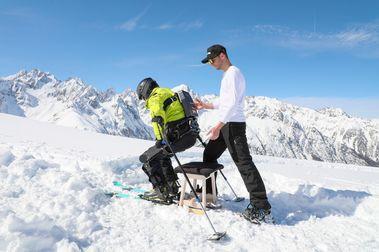 Un exoesqueleto eléctrico para facilitar la práctica del esquí de montaña