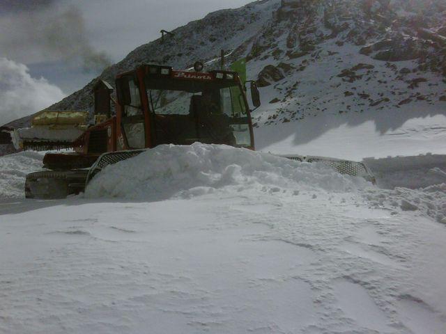 Cerler trabajando la nieve