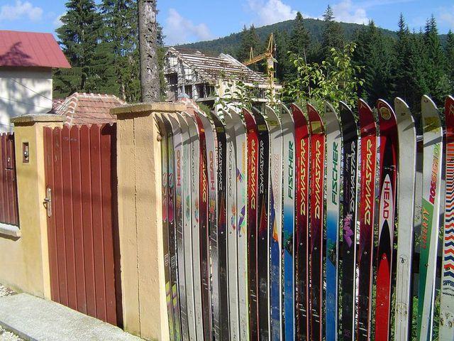 Esquis y tablas recicladas como combustible noticias for Como hacer una valla con palets
