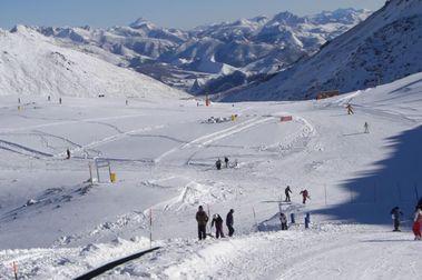 San Isidro abre el sector de Riopinos ante la presión de los esquiadores