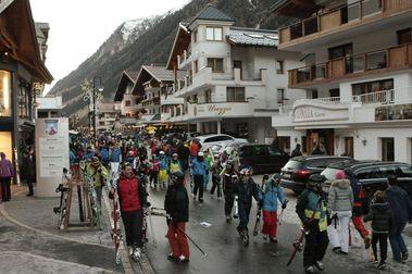 400 esquiadores europeos interponen demanda colectiva contra Ischgl
