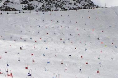 Los austriacos de Copa del Mundo de esquí entrenarán a 'puerta cerrada' en los glaciares