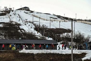 ¿Esquiando a la 01h de la madrugada y con luz natural? Esto es ayer en Luossabacken