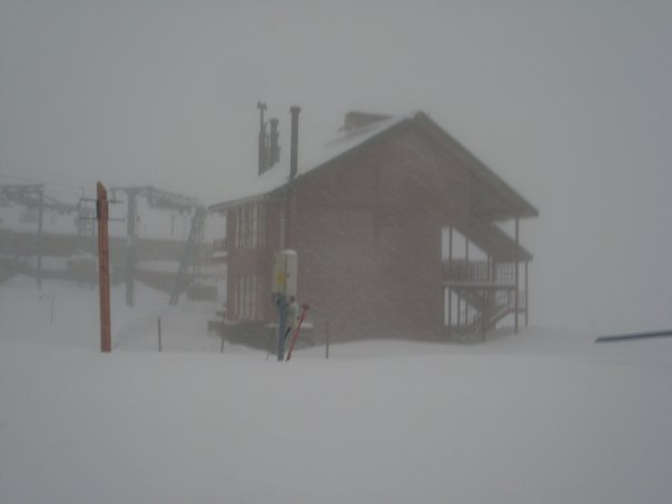 Camino a Farellones Cerrado por Exceso de Nieve