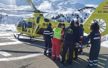Un esquiador ingresado en el hospital tras provocar un alud en Cerler