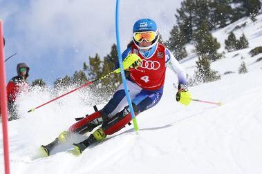 Tercer oro de Núria Pau en los Ctos. de España de esquí alpino