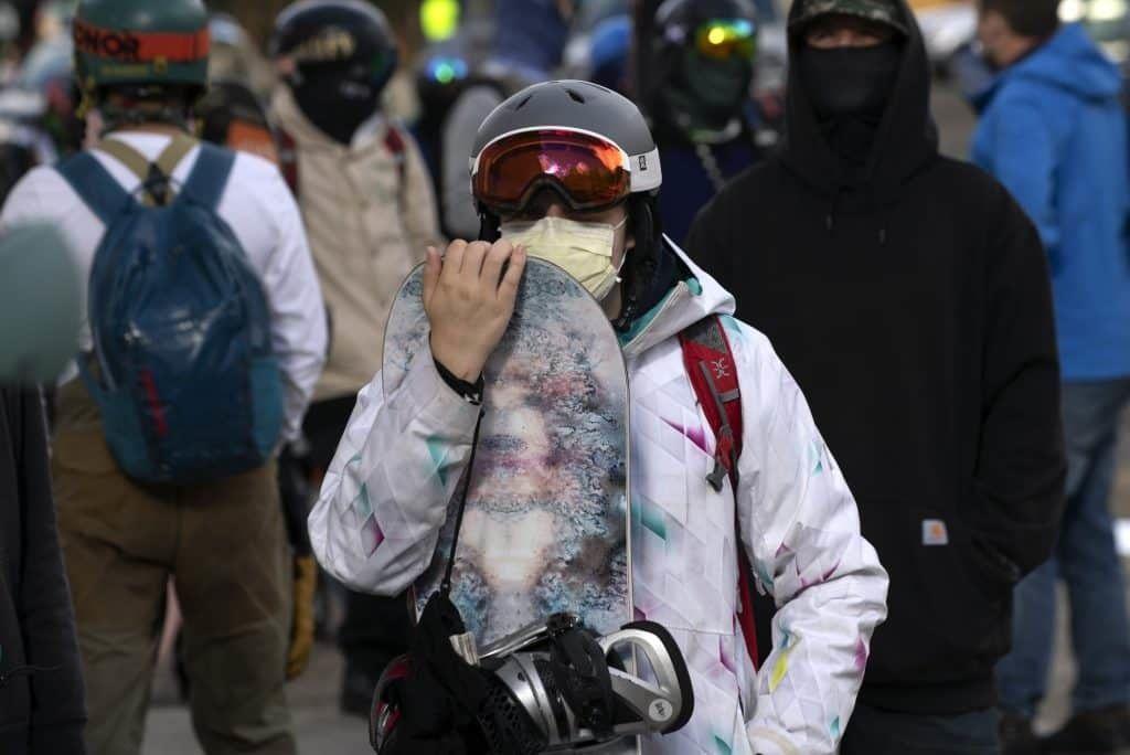 Snowboard mascarilla coronavirus
