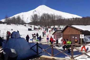 Autoridades en alerta por aumento de actividad volcánica en el Volcán Villarrica