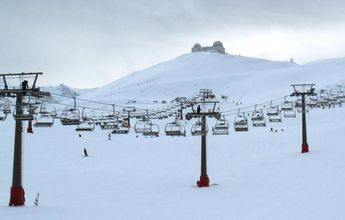 Los remonteros de las pistas de esquí de Sierra Nevada van a la huelga