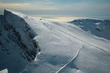 Sierra Nevada inaugura el recorrido de esquí más largo: 12 kilómetros sin parar