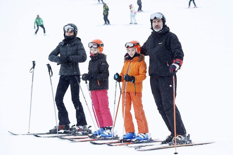 Rey Felipe VI esquiando