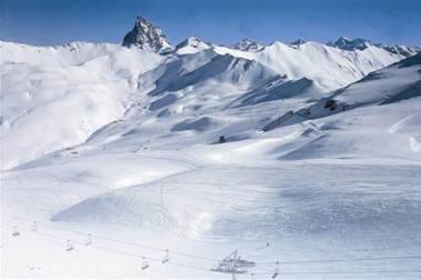 Astún 5 días de esquí + 5 noches 150 €